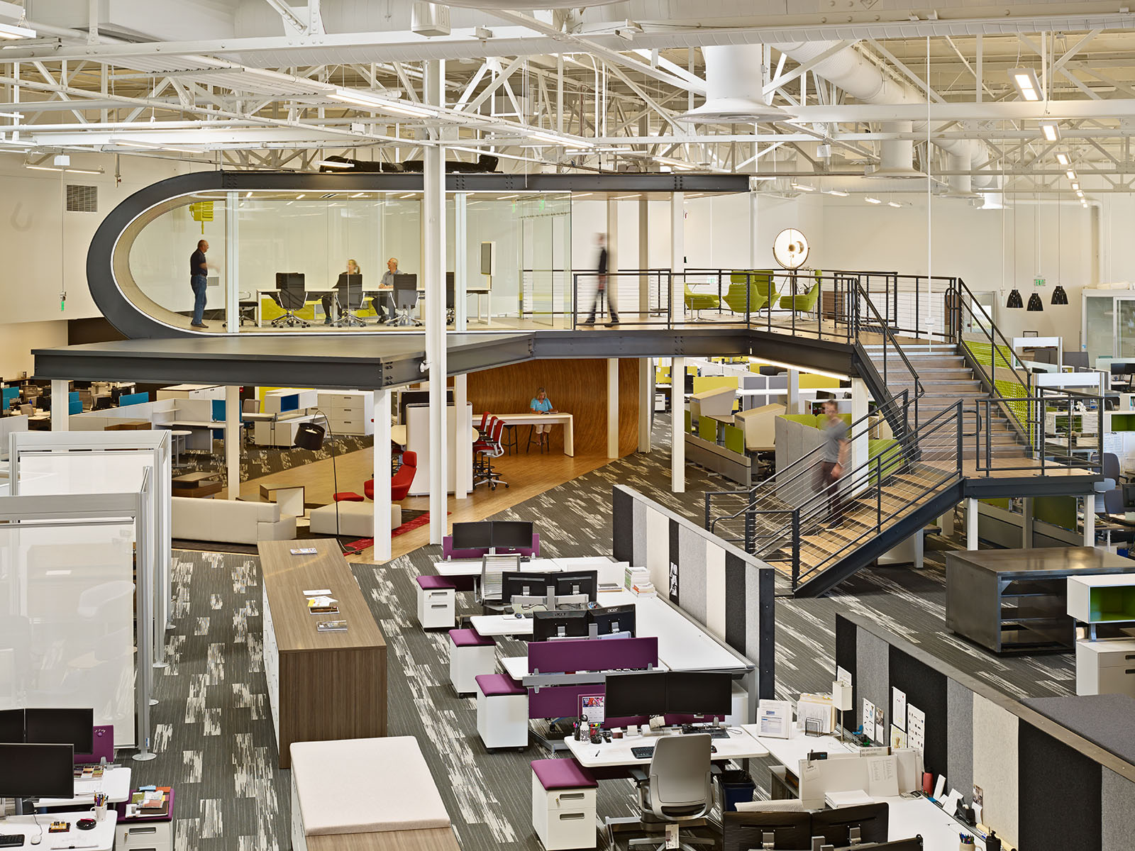 One Workplace. Architect: Design Blitz/ ...